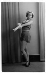 Annie Anita Braham - Gloves pose - 15 Mar 1941.jpg