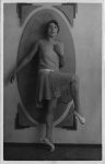 Annie Anita Braham - Points pose - 10 Sept 1932.jpg
